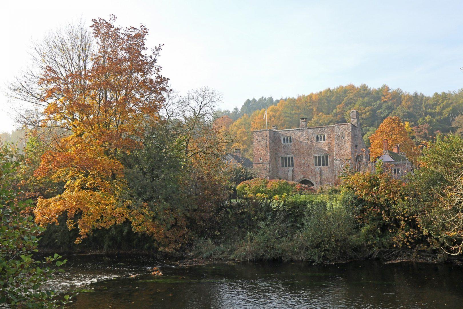 Devon Castle